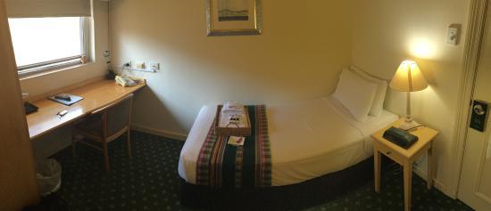 Anderledy Lodge: Single room with shared bathroom