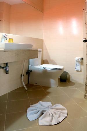 Bossotel Bangkok: バスルーム