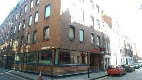 Tune Hotel Liverpool St