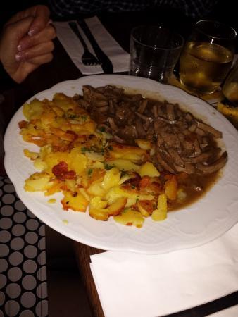 Weinstube Zur Kiste: Rognons + pommes de terre grillées