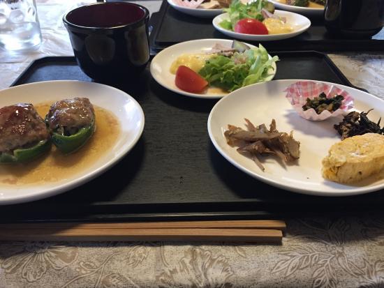 Mori Curry: Today's Lynch menu. Primo & Secondo