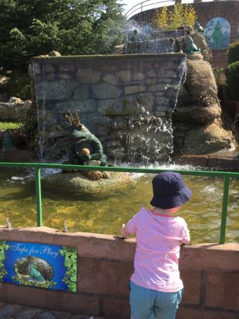 Fairy Park: So much fun spirting water from the frogs