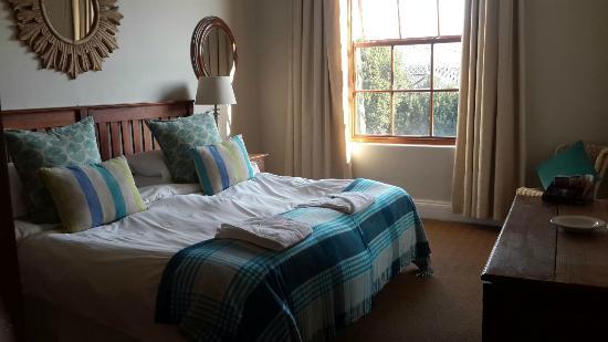 The Nottingham Road Hotel: Room 6