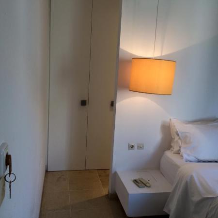 Orloff Resort Hotel: Accès à la salle d'eau