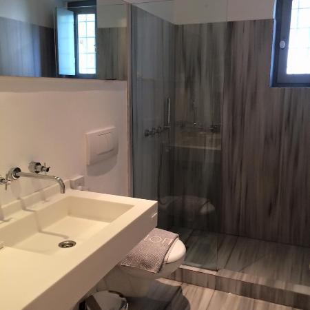 Orloff Resort Hotel: La salle d'eau