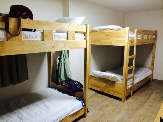 Moon's Hostel: ห้องพักเตียงรวม เตียงกว้าง เตียงนุ่มสบายทุกห้อง