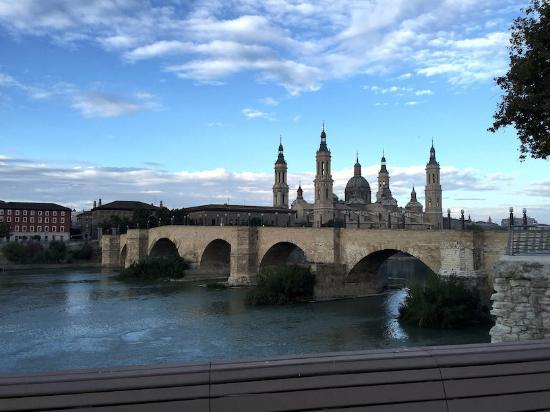 Camping Ciudad de Zaragoza: Basilica