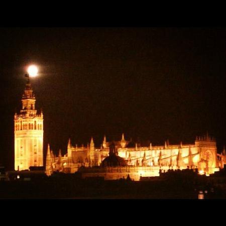 Sevilla by Pepe : La Catedral, de noche