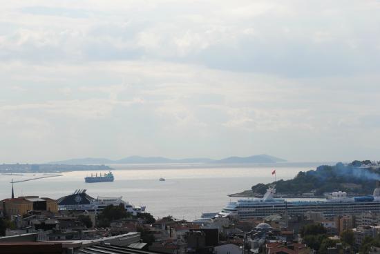 View From The Litera Restaurant Istanbul Bild Von Litera