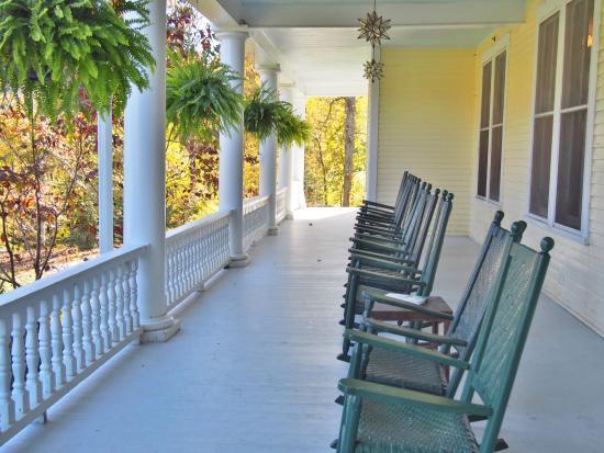 Balsam, นอร์ทแคโรไลนา: front porch