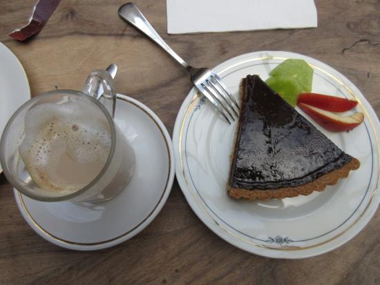 Auberge aux 4 Vents: tarte au vin rouge