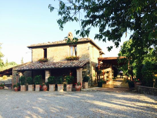 Country House Montali : Main building, where breakfast and dinner is servec