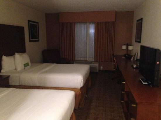 La Quinta Inn & Suites Danbury: room