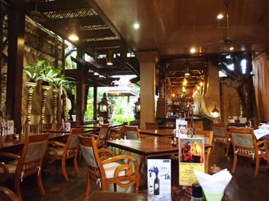 Sawasdee Thai Cuisine : 店内
