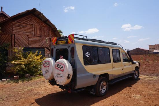 Bruno Safaris - Day Tours: Bruno Safaris 4x4