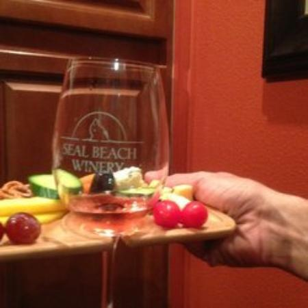 Los Alamitos, Калифорния: Seal Beach Winery
