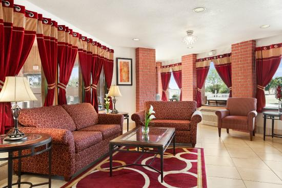 Baymont Inn & Suites Anderson : Lobby