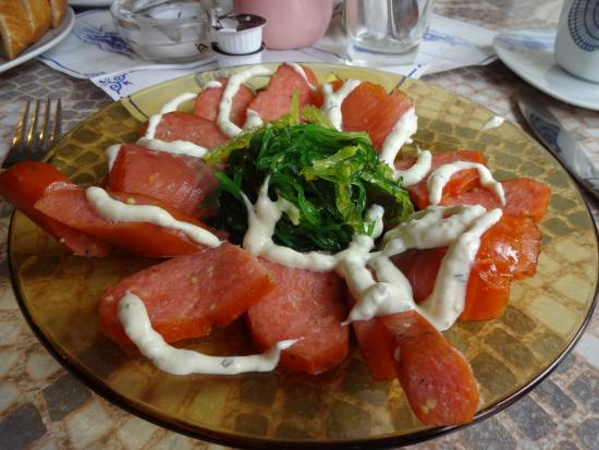 Roebel, Niemcy: Had lunch in a cafe in Plau....maybe too much salmon on one plate......