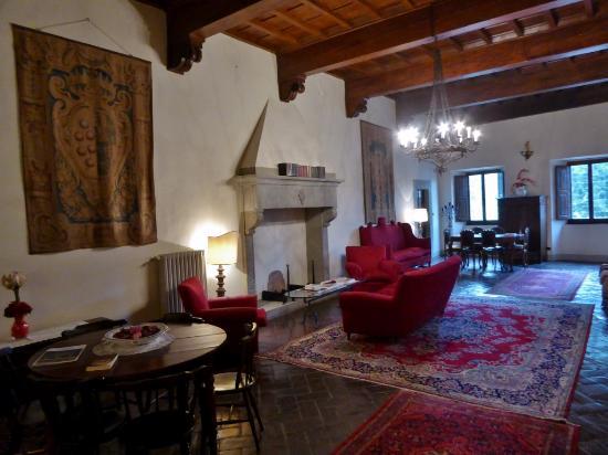 Vicchio, Italia: Der Aufenthaltsraum in der 1. Etage