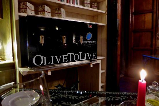 Vicchio, Italia: Olivenöl-Bar im Restaurant