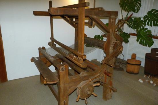 Velke Losiny, República Checa: muzejní exponát protahování papíru