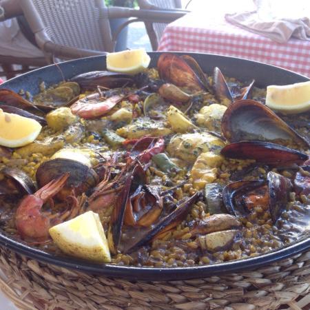 Es Llombards, España: l'insieme delizioso dei colori e sapori