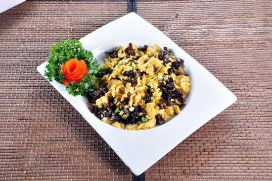 Shanghai Terrace: scramble egg with black fungus