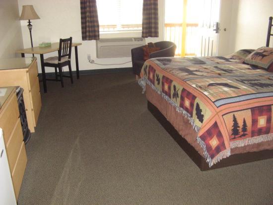 Antlers Motel: Room 210