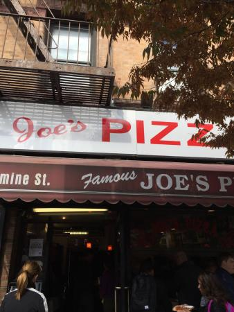 Joes Pizza Of The Village