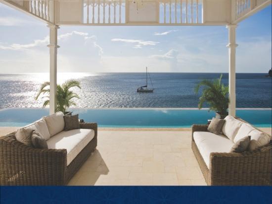 La Giralda: Infinity Pool lounge