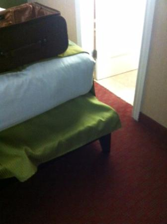 Bed Frame Sticking Out Dangerously Picture Of Stone Villa Inn San