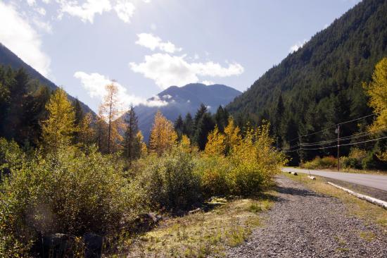 Sunshine Valley RV Resort & Cabins : 晴れた日は谷間にふりそそぐ太陽の光がきれい