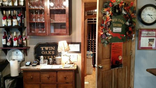 Twin Oaks Tavern Winery
