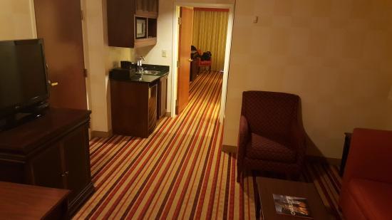 Renaissance Charlotte Suites Hotel Room Lounge Area