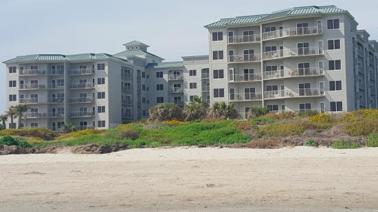 Holiday Inn Club Vacations Galveston Beach Resort: One of our best condos in 30 years of traveling