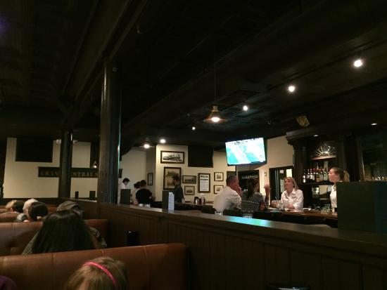 New Milford, CT: Bar side