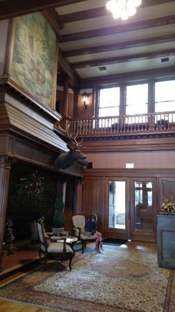 Graceland Inn & Restaurant