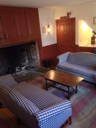 Whitehall Mansion Inn: photo1.jpg
