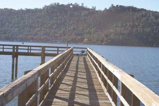 Fishing pier clearlake c a redbud park and boat launch for Clear lake ca fishing