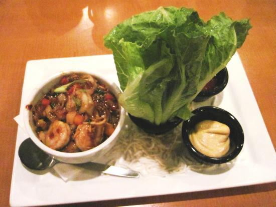 Ginger Shrimp Lettuce Wraps - Bar Louie (12/Oct/15).