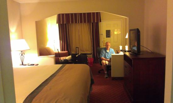 Baymont Inn & Suites Covington: room was clean spacious and very comfortable
