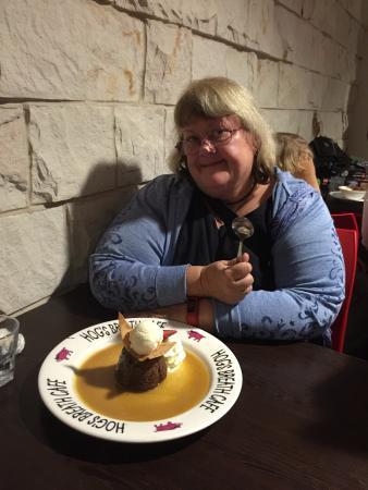 Hog's Breath Cafe: Sticky date pudding