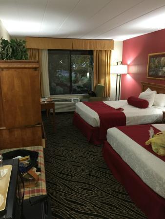 BEST WESTERN Braddock Motor Inn: Very nice updated rooms and decor