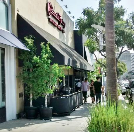 an experience for working in cheesecake factory restaurant in beverly hills california The first cheesecake factory restaurant opened in beverly hills in 1978 why was it called the cheesecake factory, just like the bakery because founder david overton couldn't think of a better name.