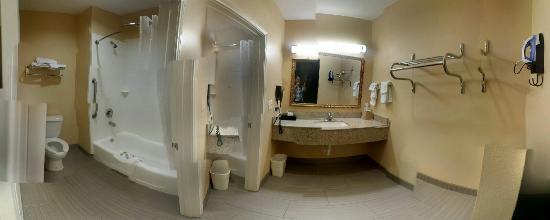 Downtowner Inn and Suites : 20151017_181752_large.jpg