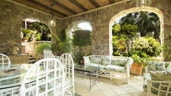 Casa Tres Leones: Living/Dining area for La Cocina Suite on ground floor