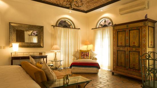 Casa Tres Leones: Lovers' Suite sitting area