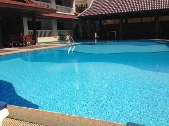 The Residence Garden Apartments & Suites: 1 ud af 2 skønne swimmingpools på Residence Garden