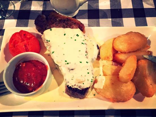 Northover Manor: Sirloin steak and chips