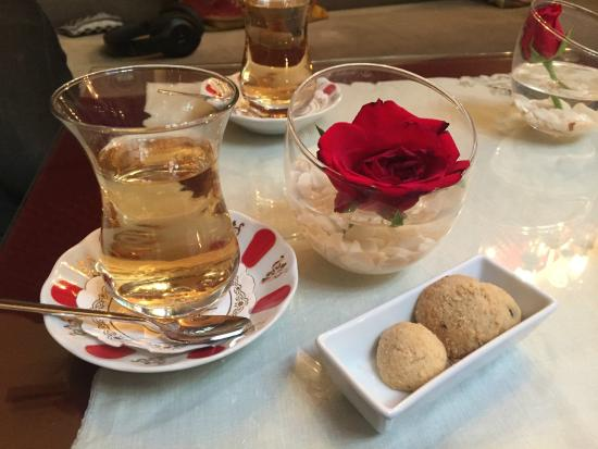 Travel Atelier Private Tours: turkish tea of course